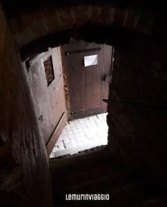 Camera sotto la torre