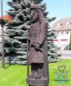 gli uomini di bluetooth - statua vichinghi a Wolin Polonia