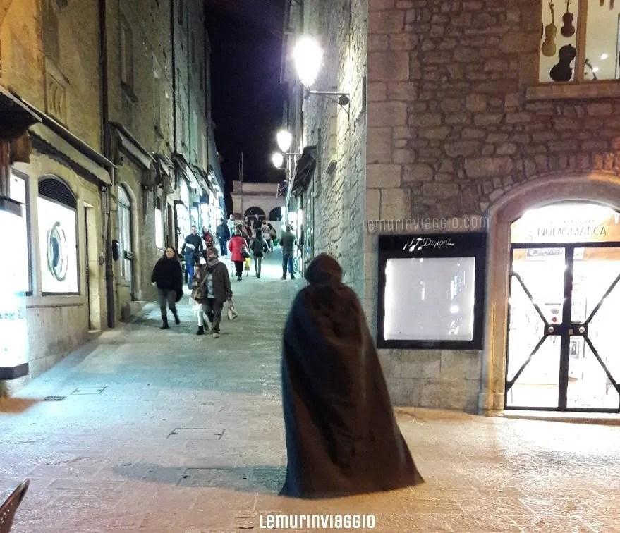 Ignoto incappucciato a San Marino