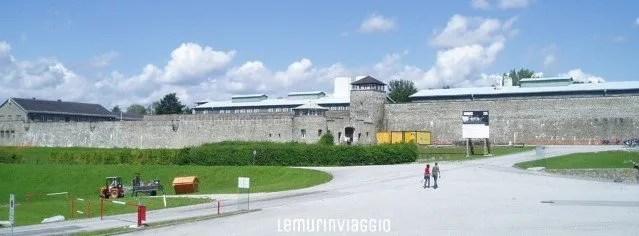 Esterno del campo di concentramento di Mauthausen