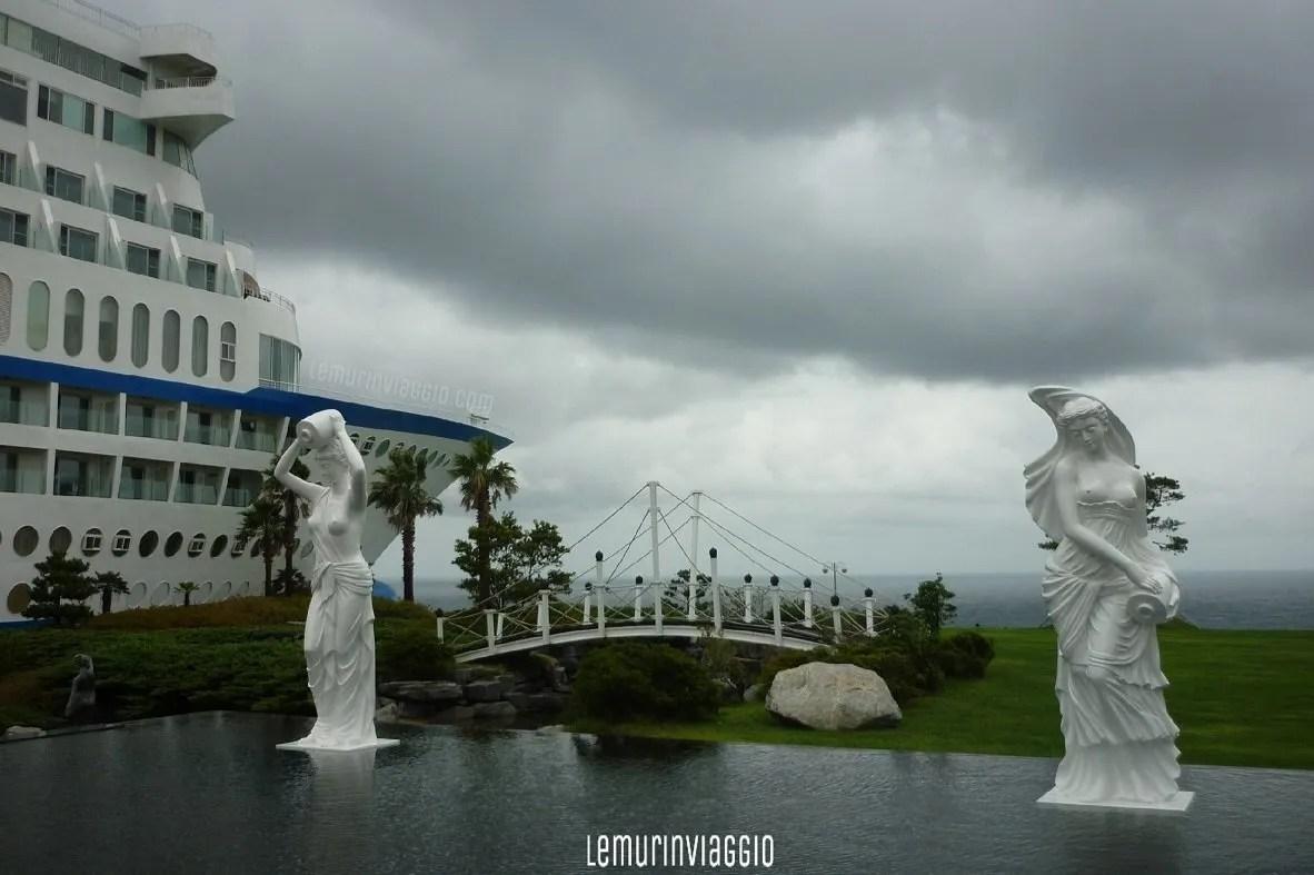 Sun Cruise Hotel Resort