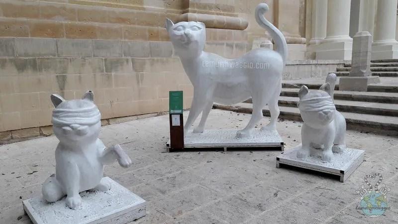 Statue dei 13 proverbi a La Valletta Malta  La gatta frettolosa fa i gattini ciechi