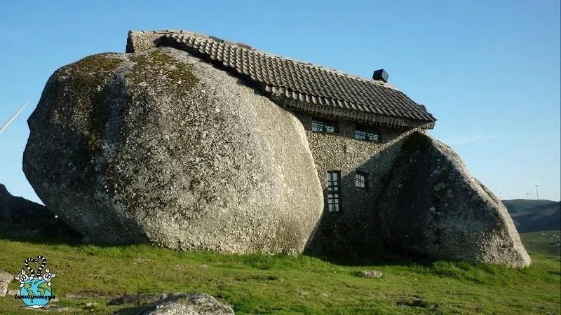 Stonehouse la casa dei Flinstones in Portogallo