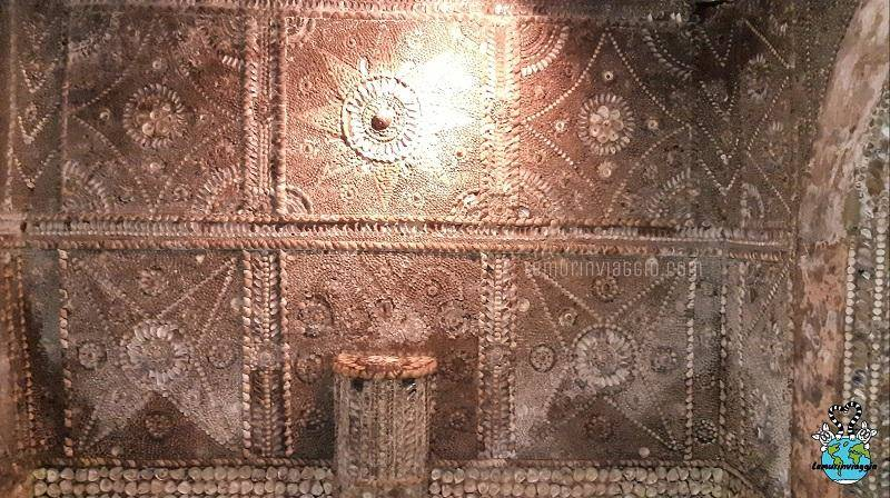 Sala dell'altare dello Shell Grotto a Margate - UK - Qui avvenivano incontri segreti e sedute spiritiche