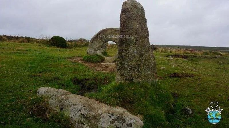 Il Men-an-Tol è formato da 4 pietre e abitato da gnomi e folletti secondo il folclore cornico