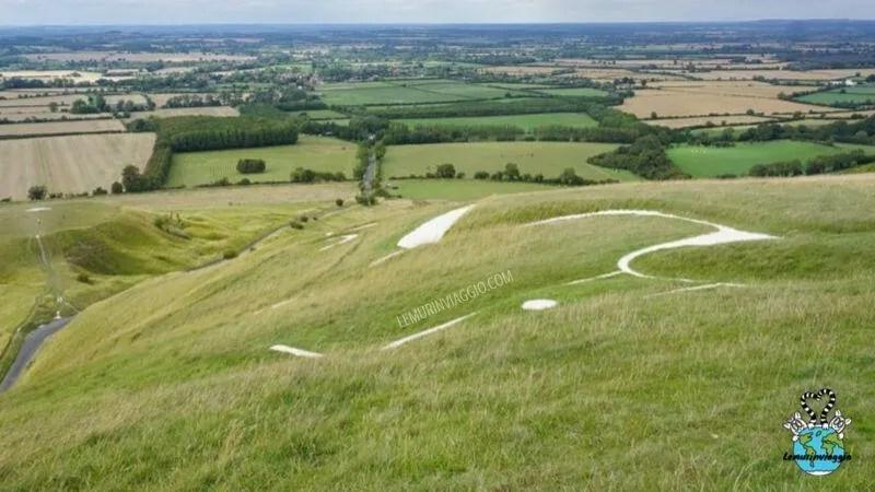 Geoglifi in Inghilterra: il cavallo bianco di Uffington nell'Oxfordshire