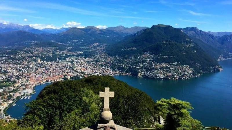 Montagne intorno al lago di Lugano