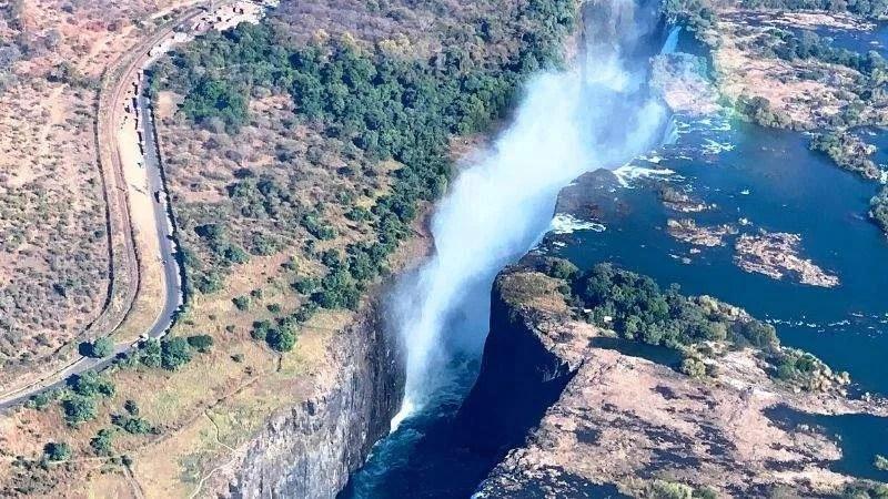 escursione in elicottero sopra le Cascate Vittoria