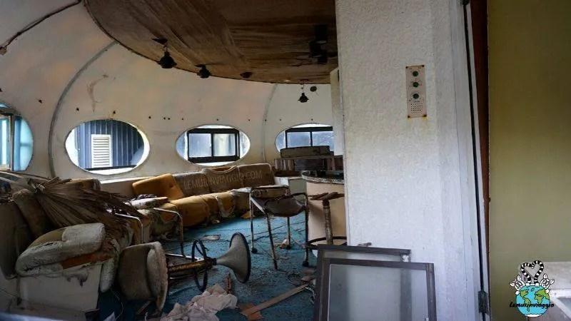 villaggio di case ufo abbandonate a Taiwan