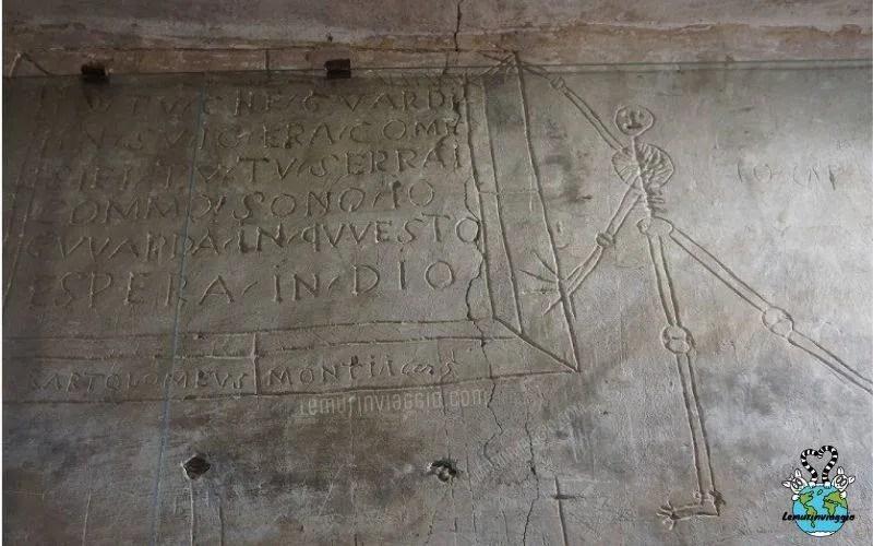 Graffiti dei prigionieri nella rocca a Dozza