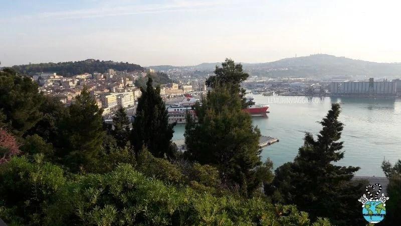 vista dalla cima del colle Guasco di Ancona