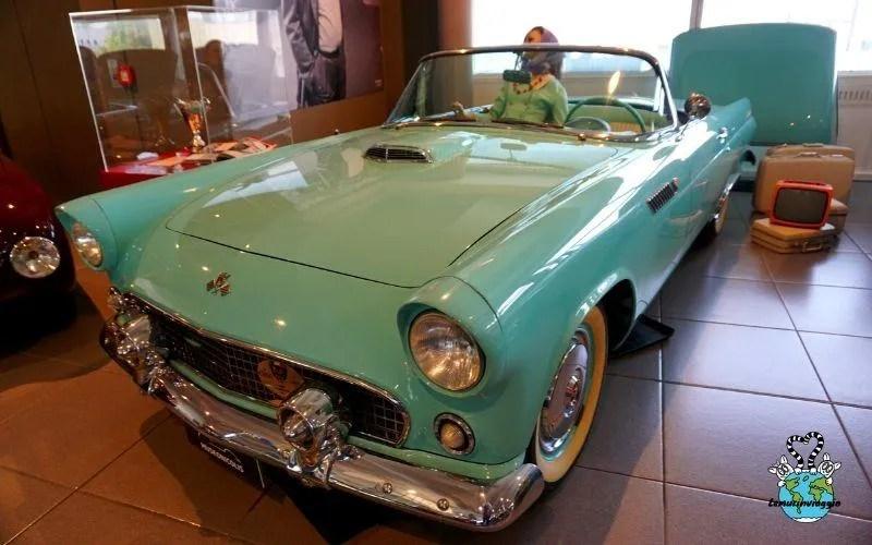 Il museo Nicolis è una collezione privata di auto e moto. Tra le tante spicca la Ford Thunderbird che ricorda il film Thelma & Louise