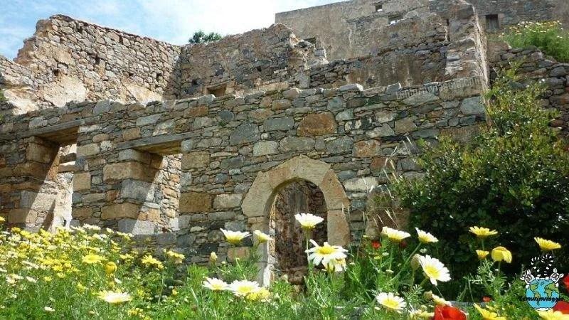 storia della fortezza abbandonata dell'isola di Spinalonga