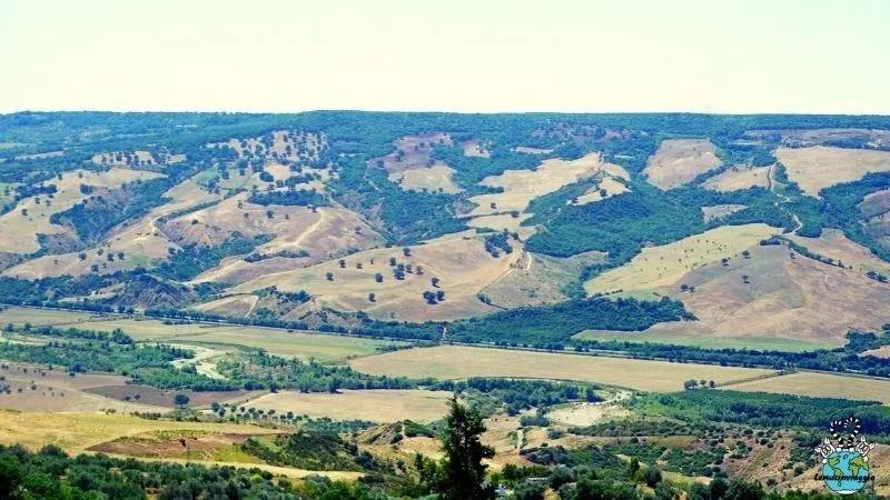 il fiume Basento visto dal borgo di Grottole