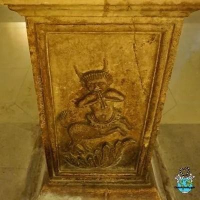 bassorilievi nella cripta Ferrillo