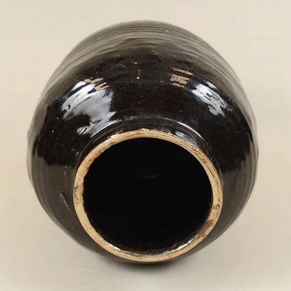 Vaso basso in terracotta invetriata nero - apertura