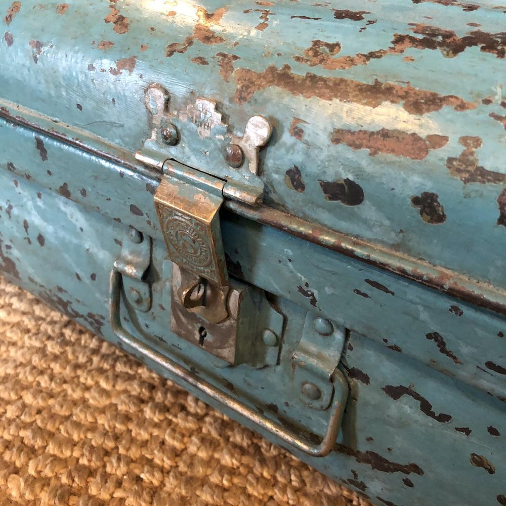 valigia vintage turchese