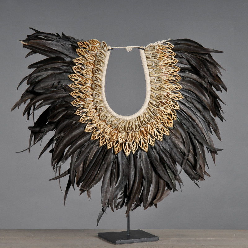 collana tribale piume nere