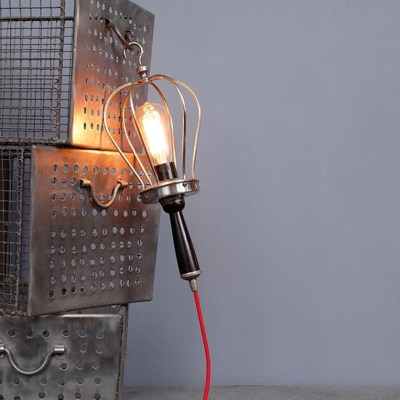 lampada portatile filo rosso