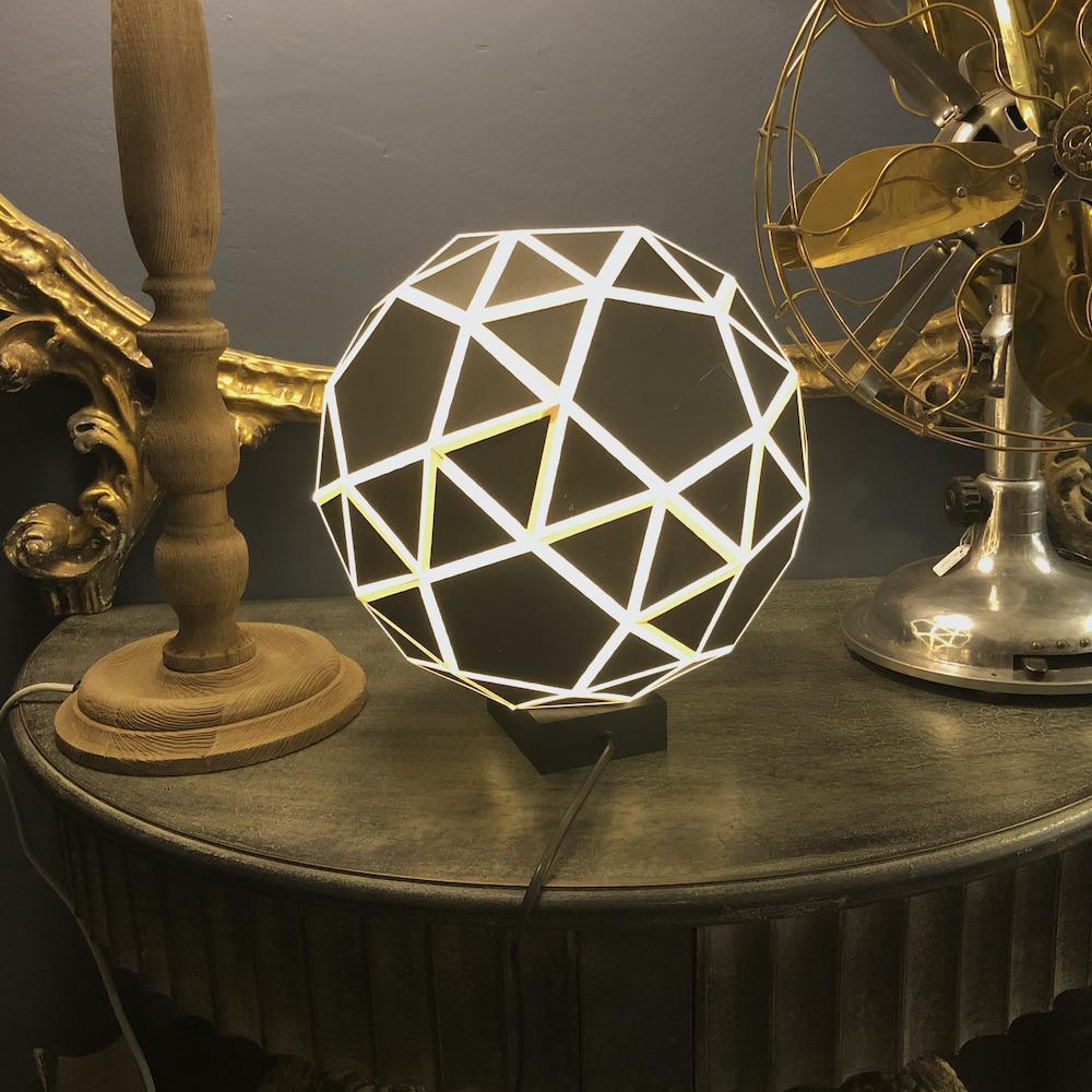lampada forma geometrica