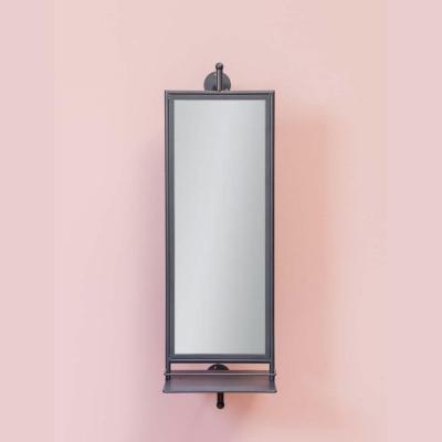 specchio girevole con mensole