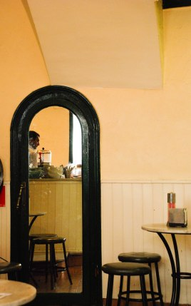 Cafe mirror, Barcelona