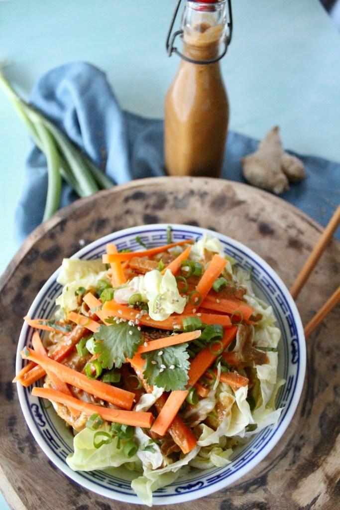 Asia-Salat mit Dressing