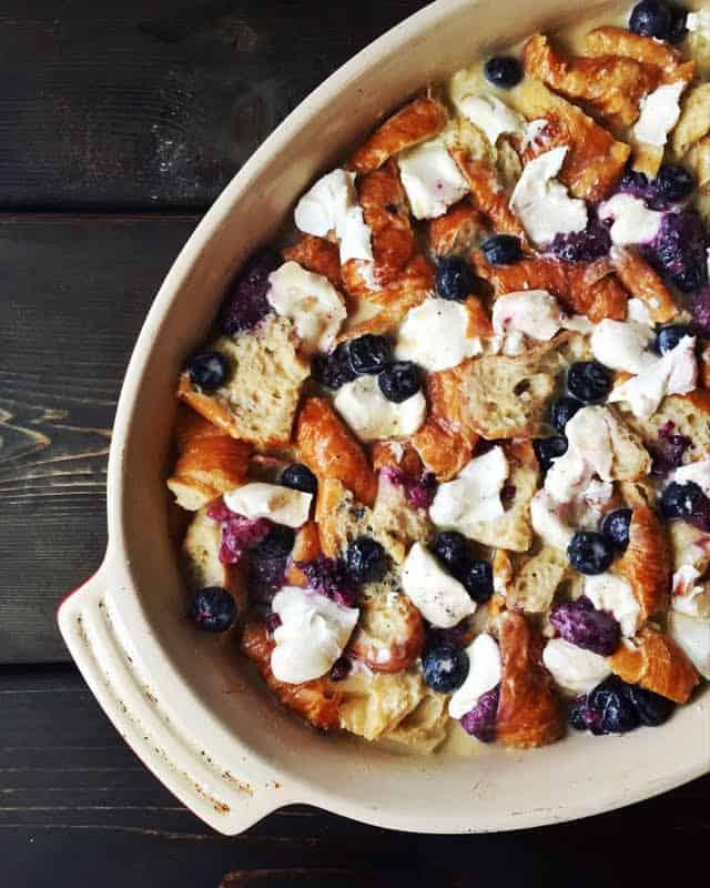 cadamom blueberry croissant french toast_lenaskitchenblog