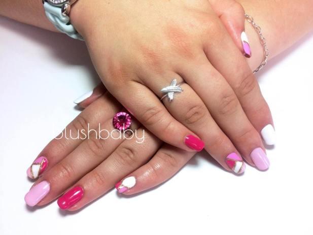 Artistic color gloss manicure