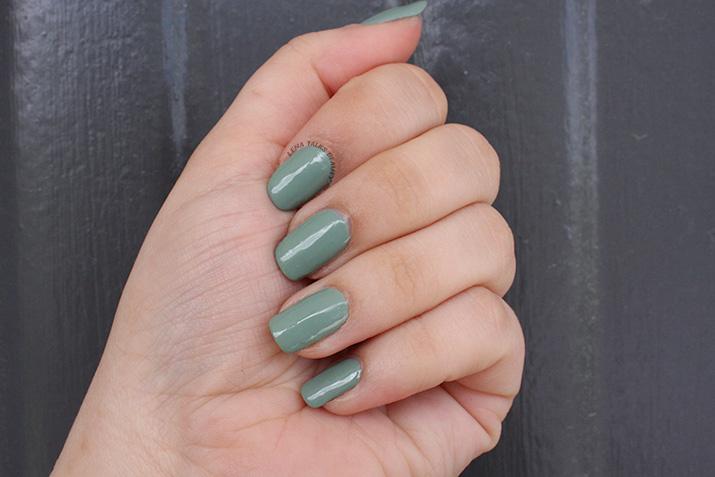 essence-the-gel-nail-polish-pretty-cool-life-lena-talks-beauty