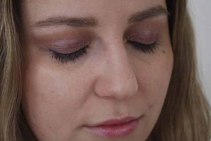 Lena Talks Beauty using Mecca Max Eyephoria Vivid Impact Palette and Eye Max Volumising Mascara from Mecca Maxima