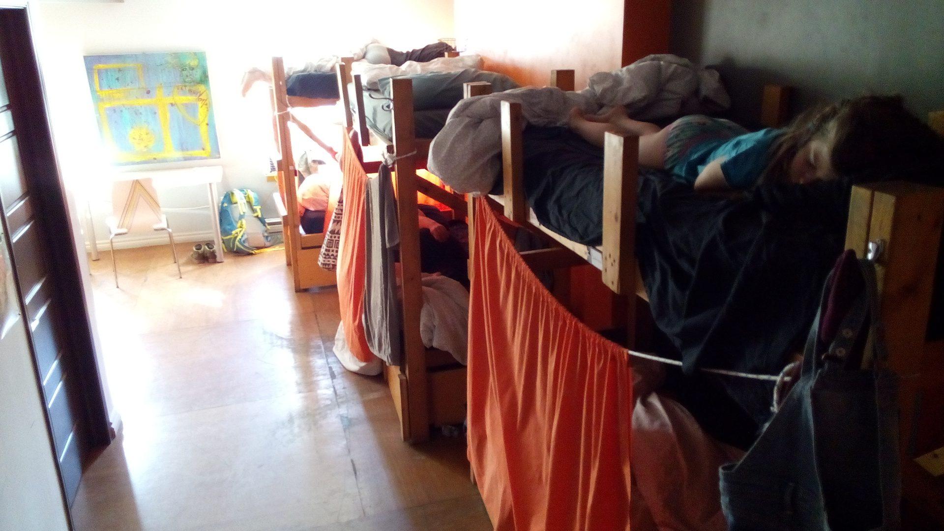 Pourquoi dormir en auberge de jeunesse avec ses enfants