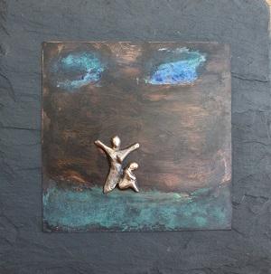 bronzebillede_kunst_bronzeskulptur_lene_purkaer_stefansen_varemaerkebeskyttet_der_maa_vaere_balance_mellem_de_lyse_dage_og_de_moerke