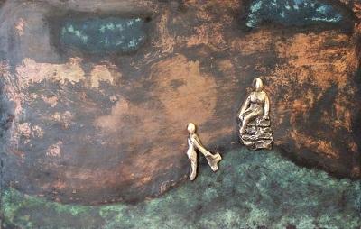 bronzebillede_kunst_bronzeskulptur_lene_purkaer_stefansen_varemaerkebeskyttet_Af_lives_oplevelser_skabes_erfaringstaarne_hvorpaa_vi_sidder_i_bagklogskab