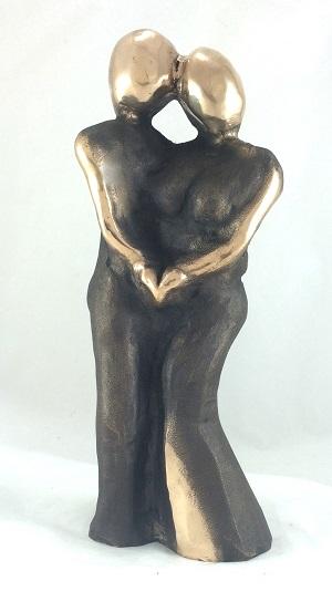 bronzeskulptur_lene_purkaer_stefansen_bronzefigur_kunst_skulpturer_bryllup_som_i_en_dejlig_droem_er_vi_sammen