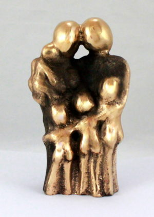 bronzeskulptur_lenepurkaer_kaerlighed_omsorg_naervaer_familie_med_4_boern