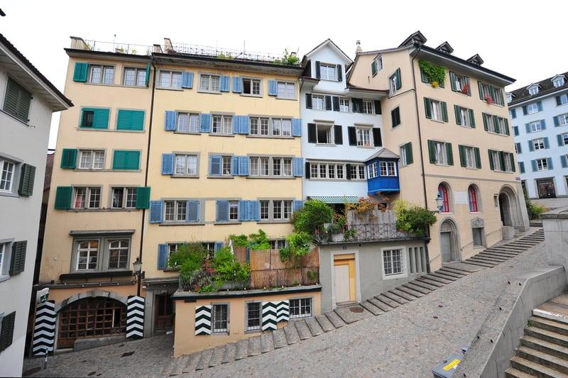 Houses in Zurich old town - © Jordan Tan | Dreamstime.com