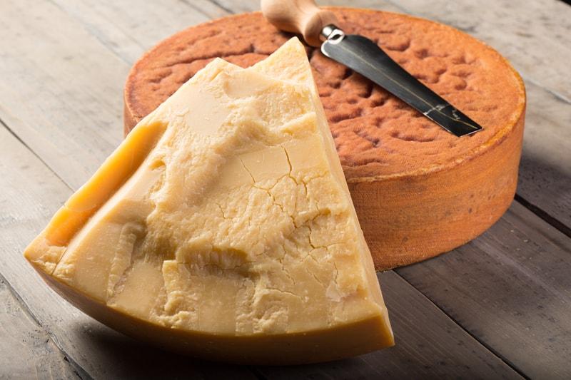 Sbrinz extra hard Swiss cheese - © Beat Bieler | Dreamstime.com