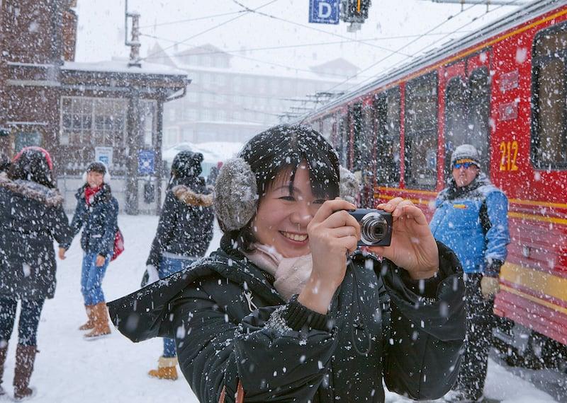 Japanische Touristen auf der Kleinen Scheidegg Photo by Christof Sonderegger