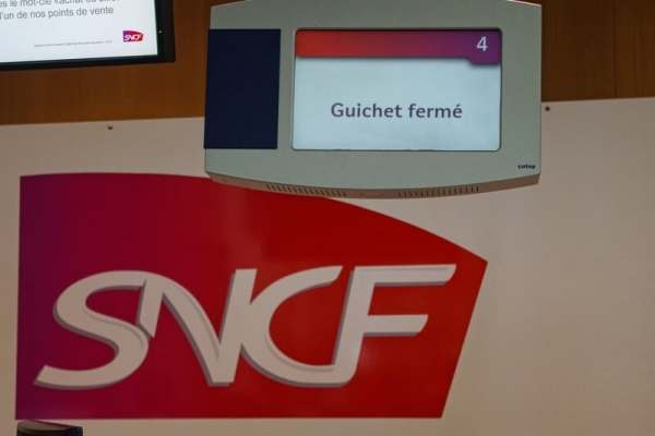 French strikers vow to disrupt new cross-border train service for a long time