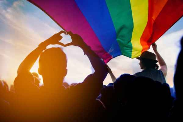 Swiss government wants quickly change laws to allow gay marriage