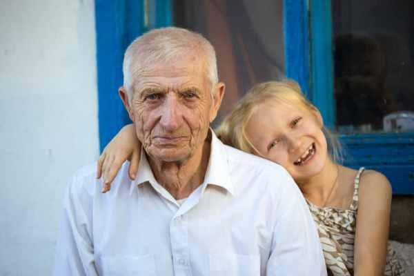 Coronavirus: children under 10 can safely hug grandparents, say Swiss authorities
