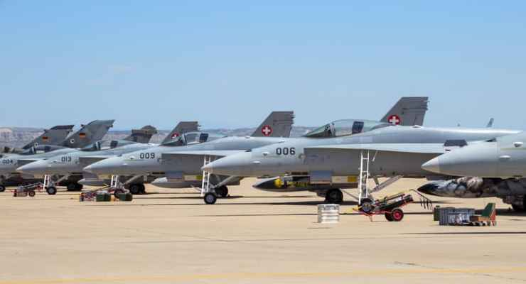 Referendum: Swiss to vote on buying new fighter jets