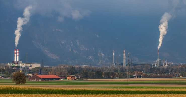 Swiss air quality improves in 2020 but depends on location