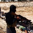 ISIS - Il califfato armato e finanziato da Obama decapita minimo 40 soldati siriani, video integrale.