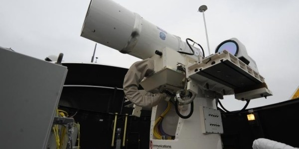 Il test del laser USA getta nel buio l'Olanda, distrusse anche Germanwings?