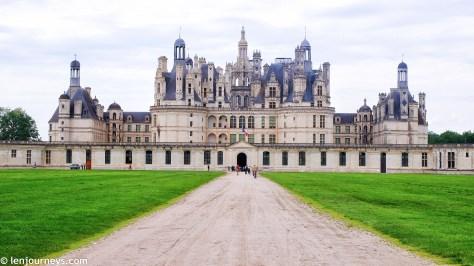 Road to Château de Chambord