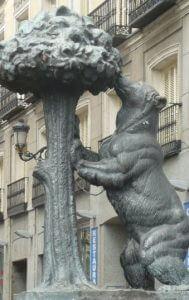 socha medveďa a jablone, Plaza de Sol, Madrid, Španielsko