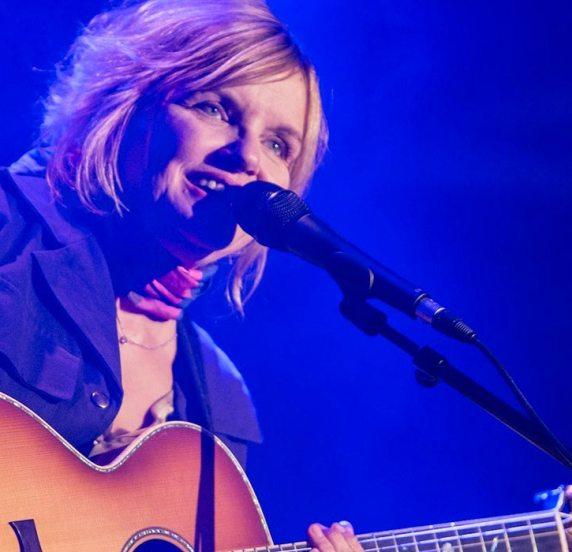 Diane Tell en concert en 2017 - LennLive