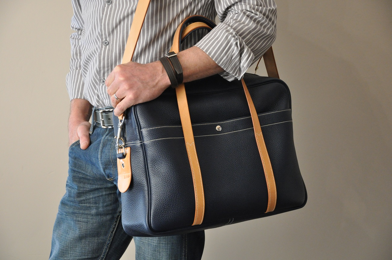 Business or weekend bag for man or woman in cowhide. The French touch in leather goods. LE NOËN France